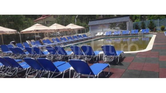 Amenajare piscina exterioara cu dale din cauciuc Protect